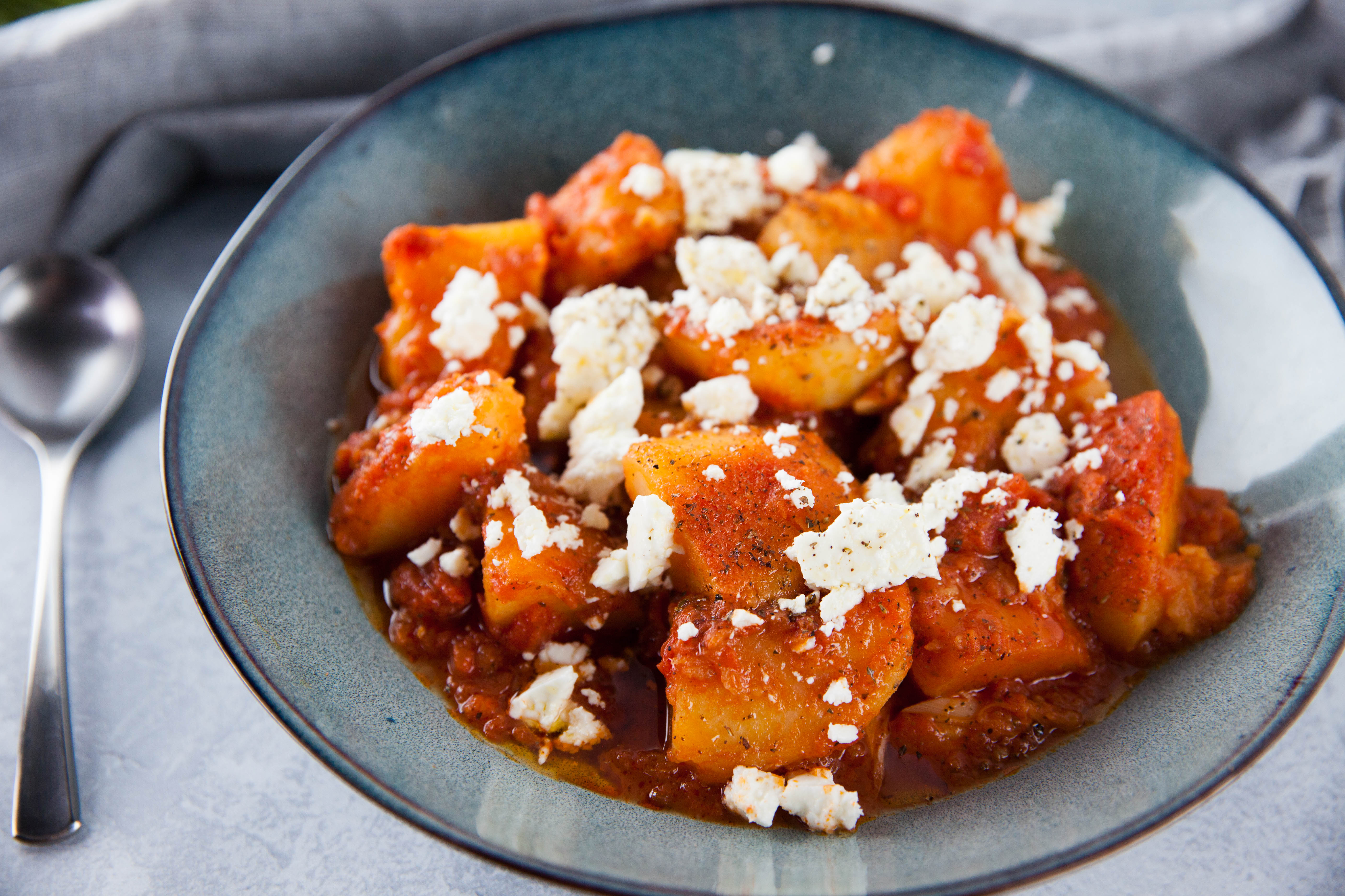 Greek-Style Potatoes in Tomato Sauce